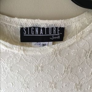 SIGNATURE by Jerell Lace Top Cream Color Medium